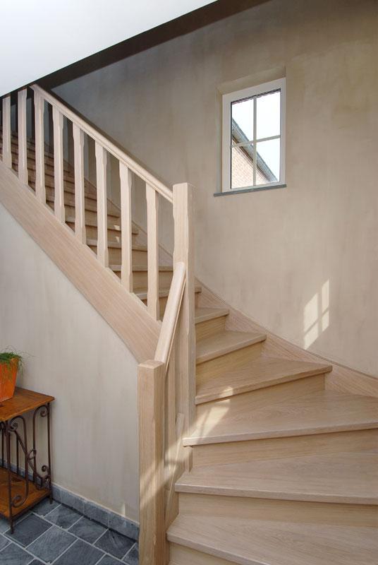 Trappen sd schrijnwerkerij interieurbouw sd schrijnwerkerij - Moderne houten trap ...