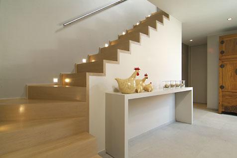 Trappen sd schrijnwerkerij interieurbouw sd for Stalen trap maken