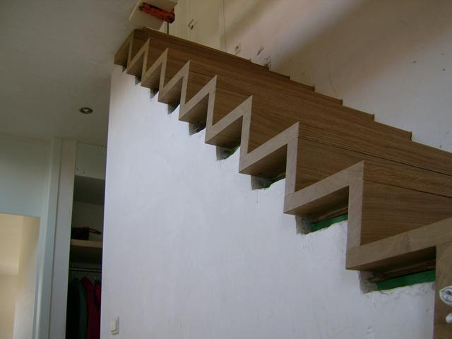 Trappen sd schrijnwerkerij interieurbouw sd for Houten vaste trap