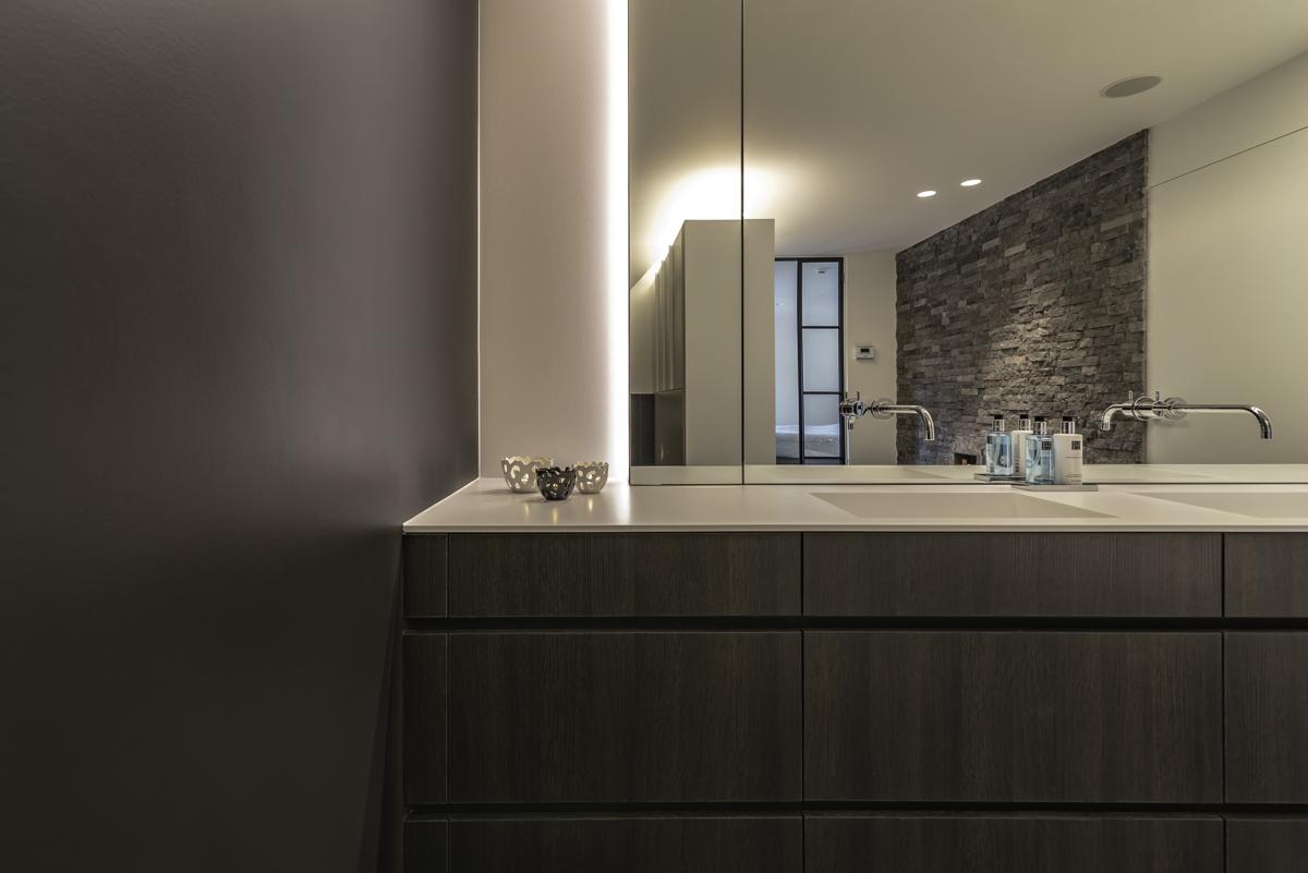 De gemakkelijk te onderhouden badkamerkraan sd schrijnwerkerij sd schrijnwerkerij - Bijvoorbeeld vlak badkamer ...